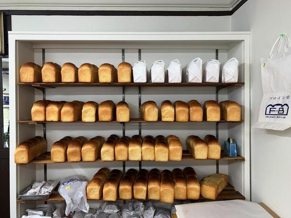 神戸を代表するベーカリー「フロイン堂」の愛されるパンを求めて…