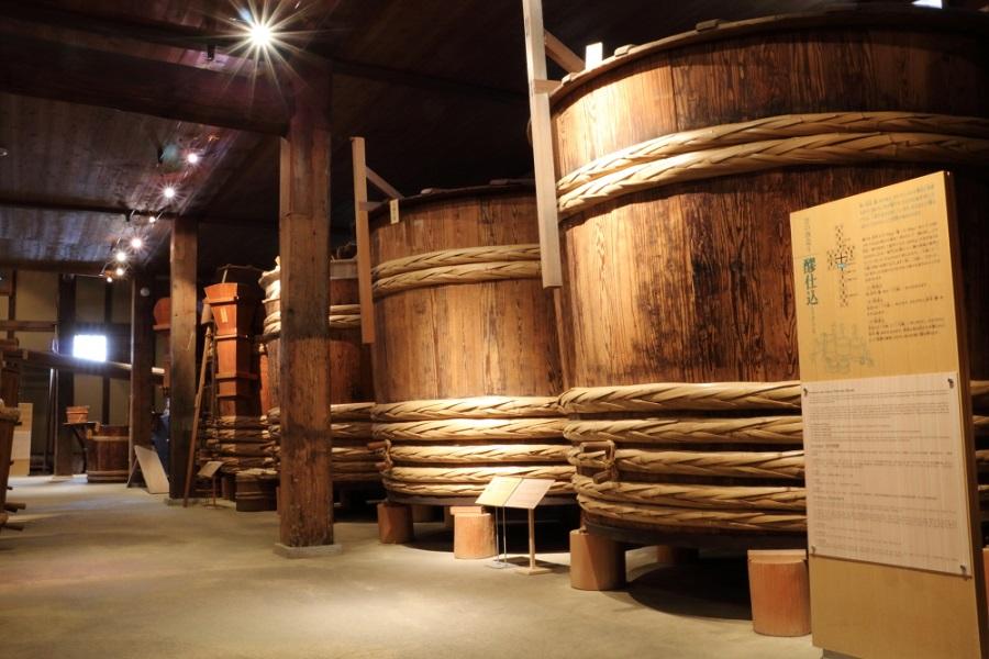 「昔の酒蔵」沢の鶴資料館